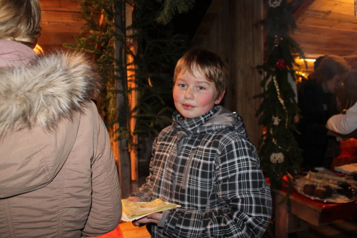 2012-christkindlfest-am-kirchplatz-10