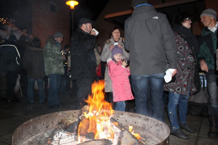 2012-christkindlfest-am-kirchplatz-30