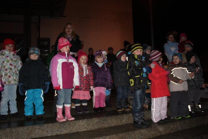 2012-christkindlfest-am-kirchplatz-42