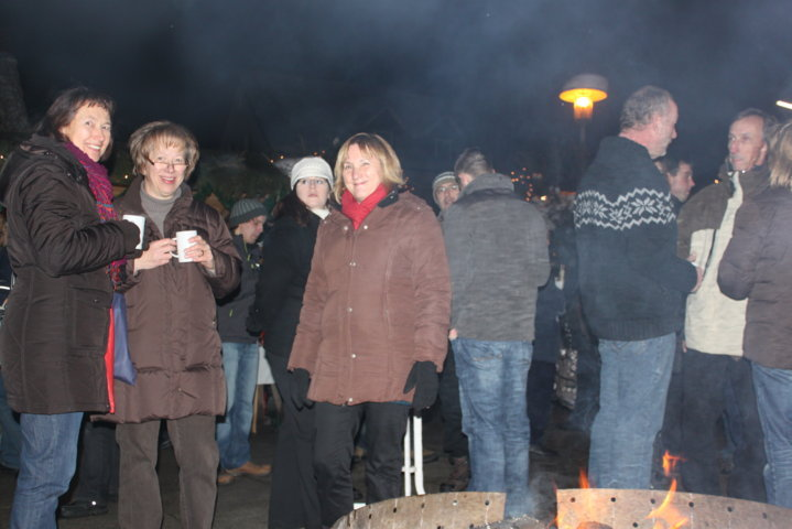 2012-christkindlfest-am-kirchplatz-45
