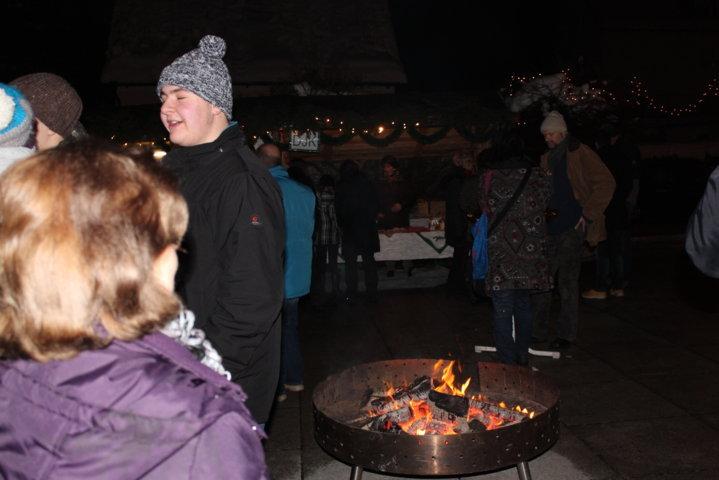 2012-christkindlfest-am-kirchplatz-59