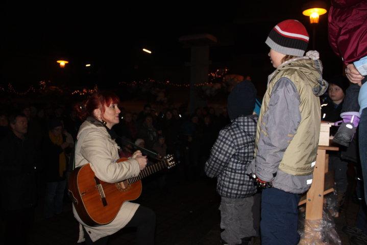 2012-christkindlfest-am-kirchplatz-63