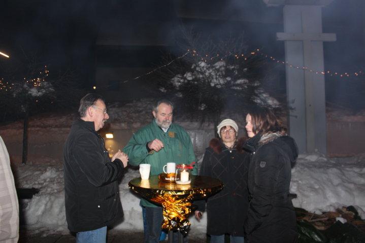 2012-christkindlfest-am-kirchplatz-65