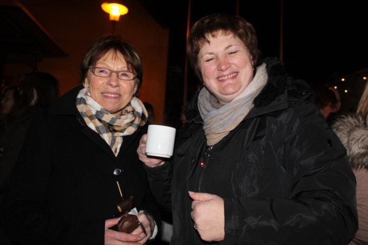 2012-christkindlfest-am-kirchplatz-79